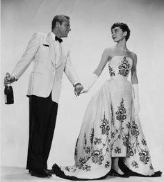 Audrey Hepburn Vintage Wedding Dress Ball Gown in Movie Sabrina ...