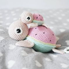 Mummy and Baby turtle 🍉🐢🍉Happy Mother's Day ❤🐢- Pattern by 👉🏻 Crochet Turtle Pattern, Crochet Octopus, Crochet Animal Patterns, Crochet Bunny, Stuffed Animal Patterns, Crochet Patterns Amigurumi, Love Crochet, Crochet Animals, Crochet Toys