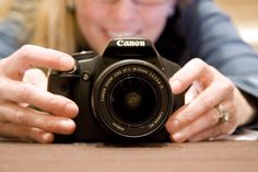 how to take GREAT photos on Christmas morning with no flash (an easy beginner's guide
