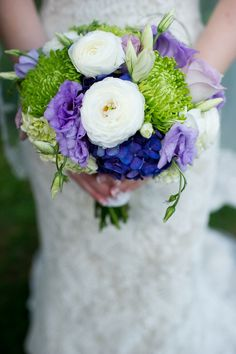 Pretty mix of ranunculus, lisianthus, spider mums and hydrangea. | Photography by halesstudio.com, Floral Design by itssoranunculus.com