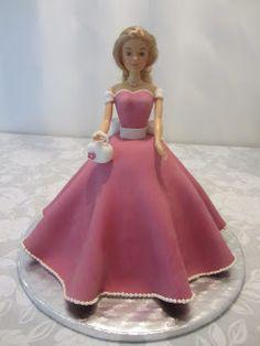 Emmas KakeDesign: Prinsessekake med foldeskjørt