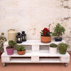 Pallett Ideas, Ideas Palets, Singer Sewing Tables, Home Climbing Wall, Cement Flower Pots, Pallets Garden, Industrial Table, Edible Garden, Pallet Furniture