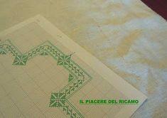 Il Piacere del ricamo: Fili contati, per la nuova ideaa Diy And Crafts, Pixel, Farmhouse Rugs, Collage, Log Projects, Home, Dots, Tablecloths