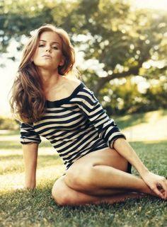 Isla Fisher/Anastasia Steele.