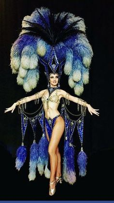 "Jubilee Bob Mackie ""Vesuvius"" showgirl More Más Burlesque Outfit, Burlesque Show, Vintage Burlesque, Burlesque Costumes, Carnival Costumes, Dance Costumes, Showgirl Costume, Vegas Showgirl, Samba Costume"