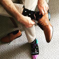 Office Jokes, Men Dress, Dress Shoes, Birkenstock Boston Clog, Clogs, Oxford Shoes, Lace Up, Socks, Elegant