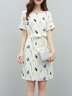 Round Neck Belt Floral Printed Shift Dress - Women's style: Patterns of sustainability Trendy Dresses, Simple Dresses, Elegant Dresses, Women's Dresses, Cute Dresses, Casual Dresses, Fashion Dresses, Summer Dresses, Formal Dresses