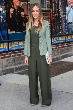 Sarah Jessica Parker leaves the Late Show With David Letterman taping in the perfect monochrome look.