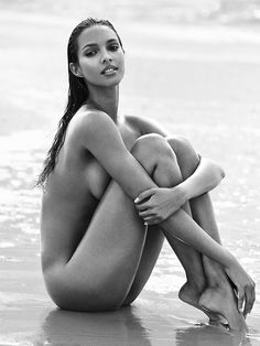 Lais Ribeiro @Lalaribeiro16 by Richard Ramos www.richardramosstudio.com for GQ Mexico @GQMexico August 2016 #composition #motion