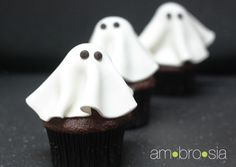 ambrosia: How to Make Ghost Cupcakes