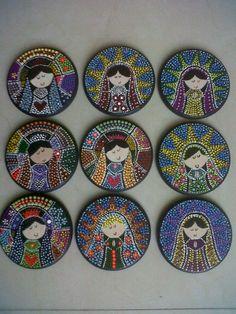 Recuerdos en puntillismo, virgencitas Mandala Canvas, Mandala Dots, Mandala Design, Mosaic Wall Art, Dot Painting, Stone Art, Rock Art, Painting Inspiration, Painted Rocks