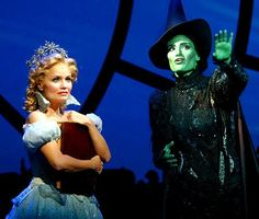 Kristin Chenoweth (Glinda) and Idina Menzel (Elphaba) in the original Broadway production of Wicked. So sad I never got to see them on Broadway. I saw production In Atlanta at Fox Theatre . Broadway Wicked, Broadway Theatre, Broadway Shows, Broadway Nyc, Musicals Broadway, Storyboard, Elphaba And Glinda, The Witches Of Oz, La Reverie