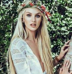 Inspiration: Vogue Brazil January Model Candice Swanepoel photographed by Mariano Vivanco & Zee Nunes in a boho, inspired look featuring leather bracelets. Hippie Style, Mode Hippie, Hippie Chick, Bohemian Mode, Bohemian Style, Boho Gypsy, Gypsy Hair, Hippie Hair, Bohemian Clothing