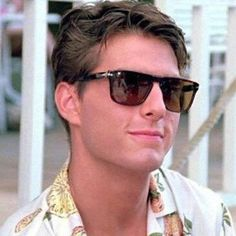 "Vintage Persol Ratti 69233 meflecto made in Italy sunglasses, tom cruise ""cocktail"" frame Tom Cruise Hot, Tom Cruise Young, Ton Cruise, Cruise Wear, Katie Holmes, Top Gun, Nicole Kidman, Tom Cruise Sunglasses, Sunglasses Sale"