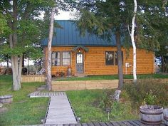 Enjoy your stay at this luxurious 2 bedroom, 1 bathroom cabin in Traverse City, Michigan for your vacation getaway! This cabin provides a fireplace, internet, washer, dryer, heating, air conditioning, linens, towels, cable TV and so much more.  http://www.rentalago.com/vacation-rental-home.asp?PageDataID=83268 #vacation #vacationrentals #michigan #traversecity #greatlakes