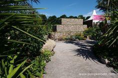 The Journey Latin America's Inca Garden at the RHS Hampton Court Palace Flower… Rhs Hampton Court, Garden Walls, Jennifer Jones, Flower Show, Latin America, Hedges, Surrey, Beautiful Gardens, Markers
