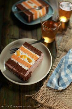 masam manis: KEK chocolate & orange sponge peach mousse