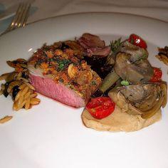 Ein  #delikatess #lammfilet im #laudensack in Bad #kissingen. #yummie #foodporn #meat #BadKissingen #Germany #food #foodie #foodpicoftheday #foodpic #foodgasm #instafood #dinner #meal #steak #beef #entree #dish #vegetable #restaurant #fillet