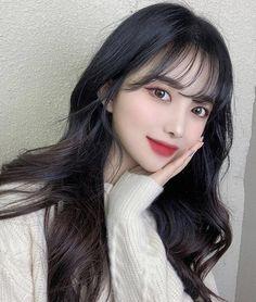 Korean Short Hair, Short Hair With Bangs, Girl Short Hair, Short Hair Styles, Cute Girls Hairstyles, Hairstyles With Bangs, Korean Hairstyles Women, Black Hair Aesthetic, Bollywood Hairstyles