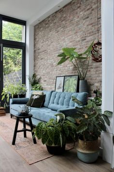 Great Living Room Decor Ideas Wonderful space full of plants at tge home of . Brick Interior, Home Interior, Living Room Interior, Home Decor Bedroom, Interior Design, Interior Livingroom, Living Room Modern, Home And Living, Casa Loft
