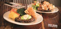 Hog's Breath Cafe Napier #kiwihospo #HogsBreathCafeNapier #KiwiBars #KiwiCafes Hogs Breath Cafe, Kiwi, Restaurants, Beef, Breakfast, Food, Meat, Morning Coffee, Essen