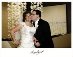INTERCONTINENTAL HOTEL, Tampa, Florida, bride, groom, wedding dress, white dress,  wedding, wedding photography, Limelight Photography, www.stepintothelimelight.com