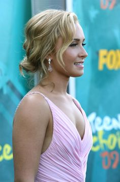 Hayden Panettiere Actress Hayden Panettiere arrives at the 2009 Teen Choice Awards held at Gibson Amphitheatre on August 9, 2009 in Universa...