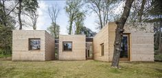 Six south-facing timber boxes protrude from this eco-friendly house in Spain by Alventosa Morell Arquitectes. Affordable Prefab Homes, Modern Prefab Homes, Architecture Design, Beautiful Architecture, Villa, Energy Efficient Homes, Passive House, Timber House, Eco Friendly House