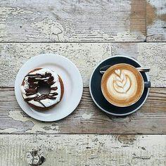 Domingo y café no comienzan con las mismas letras pero que sabroso es despertar con un cafe.  Pásalo en familia comparte lo que no pudiste en la semana y ámalos tu familia es el bien que se revalora cada día sin importar las circuntancias.  Síguenos:  @publiciudadmcy @publiciudadmcy @publiciudadmcy.  #publicidad #publiciudadmcy #eventos #asesoria #negocios #cafe #chocolate #coaching #nutricion #alimentacion #fotografia  #belleza #empleos #drone #tendencias #revistadigital #domingo #familia…