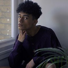 Reece King is inhumanly beautiful so of course he looks like Xander to me Pretty Men, Pretty Face, Pretty Boys, Afro, Beautiful Boys, Beautiful People, Black Boys, Shiva, Cute Guys