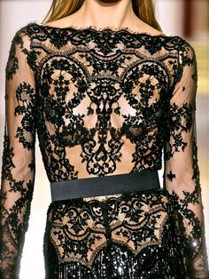 Zuhair Murad. El vestido es precioso pero recordar las transparencias engordan.