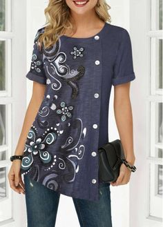 Stylish Tops For Girls, Trendy Tops, Trendy Fashion Tops, Trendy Tops For Women Page 22 Denim T Shirt, Sewing Blouses, Trendy Tops For Women, Stylish Tops, Over 50 Womens Fashion, Emo Fashion, Trendy Fashion, Mode Hijab, Blouse Designs