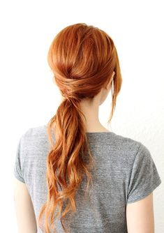 Dyeing your hair in a natural red hair color? Then regardless which red hair dye color you choose, Healthy looking and shiny hair will let the red pigment. Ponytail Hairstyles, Pretty Hairstyles, Simple Hairstyles, Hairstyle Ideas, Classic Hairstyles, Holiday Hairstyles, Dance Hairstyles, Step Hairstyle, Spring Hairstyles
