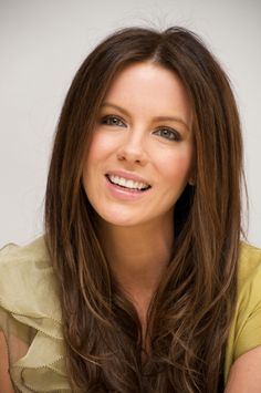 Kate Beckinsale - hair and makeup
