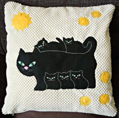 Animal applique cushion cover Cats Family by NaturelandsAndCo