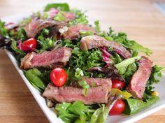 Ginger Steak Salad Recipe Ree Drummond Food Network, Black n Blue Grilled Steak Salad Creme De La Crumb, Steak Salad with Hom. Easy Salad Recipes, Beef Recipes, Dinner Recipes, Cooking Recipes, Healthy Recipes, Healthy Meals, Dinner Ideas, Potluck Ideas, Salads