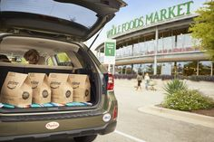 Amazon launches one-hour grocery pickup at all U.S. Whole Foods stores