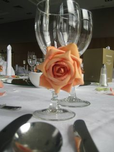 Rose & petals table setting