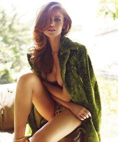 Cintia Dicker, demasiado hot en Status Magazine | Matrix Hot VIP