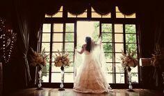 Meghan + Michael's Wedding : May 26, 2013 Vintage flowers Photography: Imagine Studios
