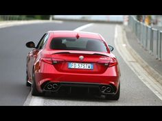 Alfa Romeo Giulia Quadrifoglio SOUND Start Up & Revs - Normal Mode vs. Race Mode - YouTube