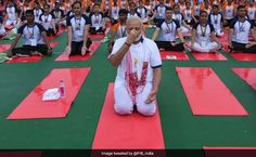 World Yoga Day 2017: PM Modi led thousands of yoga enthusiasts at Lucknow's Ambedkar Sabha Sthal.          For about 20 minutes this morn...