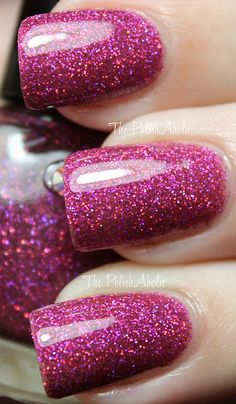 I love pink sparkly  nails!