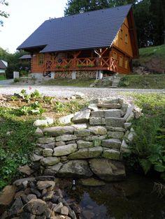 orlické hory Farmy, Gazebo, Outdoor Structures, House Styles, Travel, Home Decor, Houses, Kiosk, Viajes