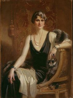 Portrait of Marjorie Merriweather Post wearing a Cartier diamond bracelet and sapphire bracelet. Photo: Hillwood Estate, Museum & Gardens.
