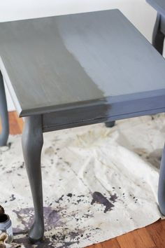 How to Use Chalk Paint on Furniture A Comprehensive Guide Hunker Redo End Tables, Painted Coffee Tables, Console Tables, Side Tables, Entryway Tables, Repainting Furniture, Chalk Paint Furniture, Chalk Paint Table, Chalk Paint Projects