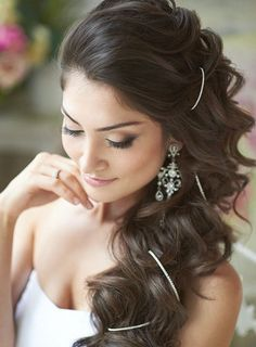 Gorgeous wedding makeup and hair. No silver thing. Half Up Wedding Hair, Curly Wedding Hair, Wedding Hair And Makeup, Hair Makeup, Bridal Makeup, Dress Wedding, Makeup Tips, Eye Makeup, Side Hairstyles