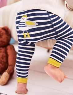 Super-comfortable and oh-so-sweet, our soft leggings featuring animal friends guarantee 'awws' all around. In a cotton-rich blend with a hint of stretch, these knitted designs are soft and cosy without restricting movement – perfect for crawling around on between-season days.
