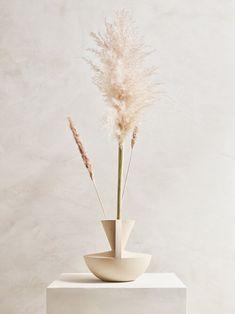 Dried Flower Arrangements, Flower Vases, Vase Centerpieces, Vases Decor, Dried Flower Bouquet, Dried Flowers, Pottery Vase, Pottery Clay, Slab Pottery