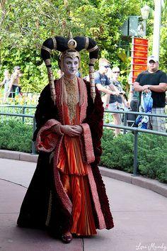 Queen Amidala | Flickr Amidala Star Wars, Queen Amidala, Epic Cosplay, Cosplay Costumes, Alien Costumes, Padme Costume, Star Wars Outfits, Star Wars Costumes, The Phantom Menace